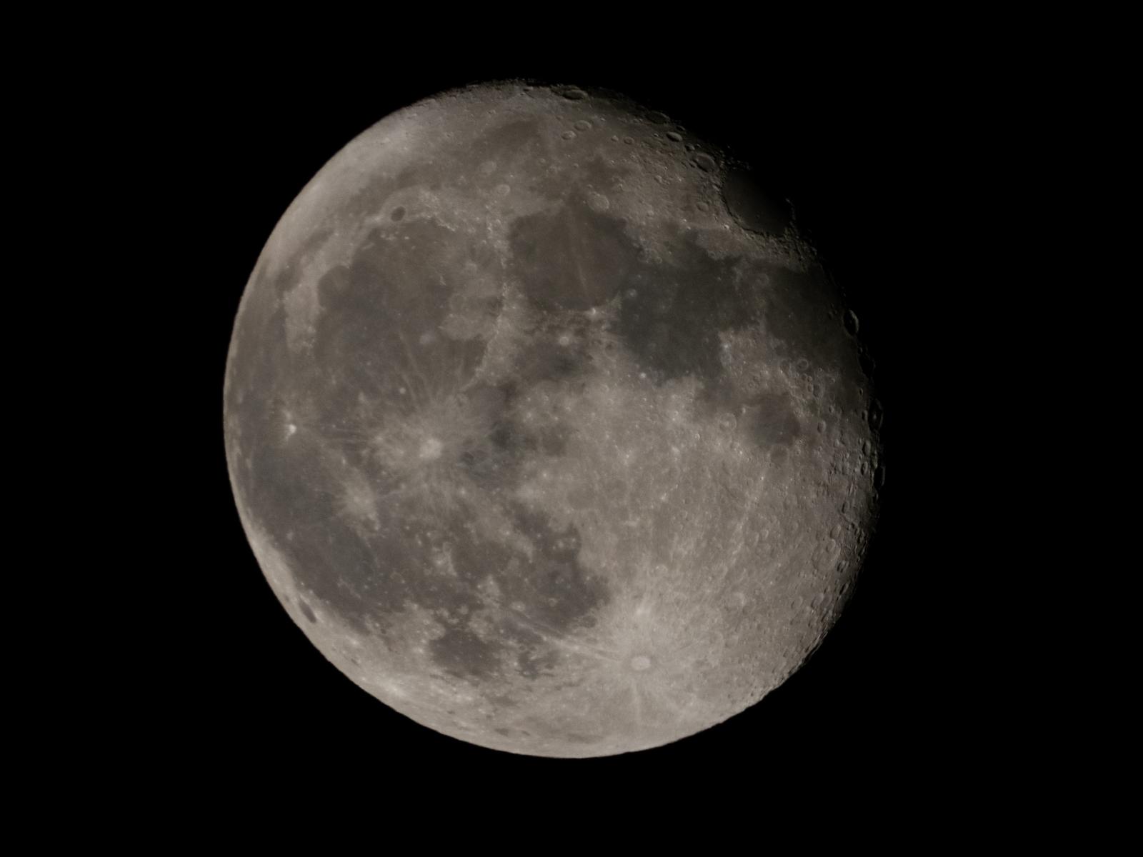 今宵の月_f0083903_00211385.jpg