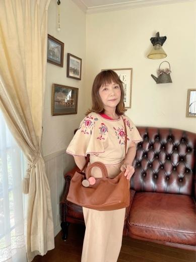 国産天然皮革のハンドメイドのバッグ。_a0213806_16520485.jpeg