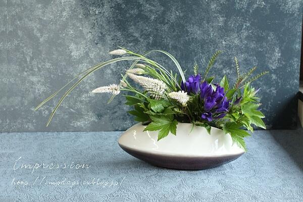定期装花から りんどう:青光_a0085317_16114596.jpg