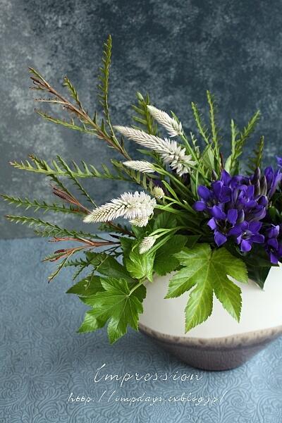 定期装花から りんどう:青光_a0085317_16115385.jpg