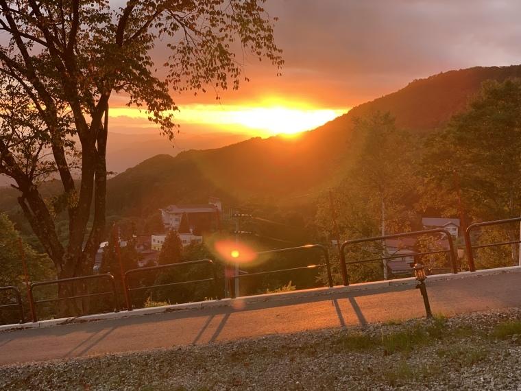 夕陽が眩しー_b0185375_19201527.jpeg
