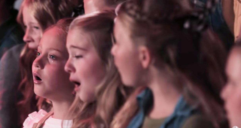 """子どもたちの合唱で聴く「ディア・エヴァン・ハンセン」の""""You Will Be Found""""_b0007805_23044783.jpg"""