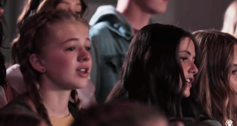 """子どもたちの合唱で聴く「ディア・エヴァン・ハンセン」の""""You Will Be Found""""_b0007805_23045696.jpg"""