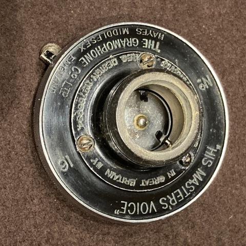 ポータブル蓄音機 HMV102 初期型(黒色)が入荷_a0047010_16344091.jpg