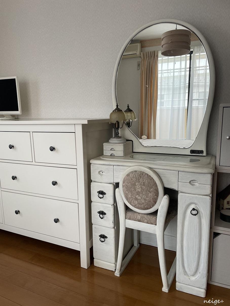 楽天セールで寝室の鏡台を「収納付きドレッサー」に模様替え。一人暮らしのインテリアにもお勧めです_f0023333_11285837.jpg