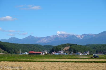 十勝岳連峰と… ~9月の中富良野_d0340565_19482224.jpg