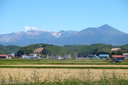 十勝岳連峰と… ~9月の中富良野_d0340565_19483095.jpg