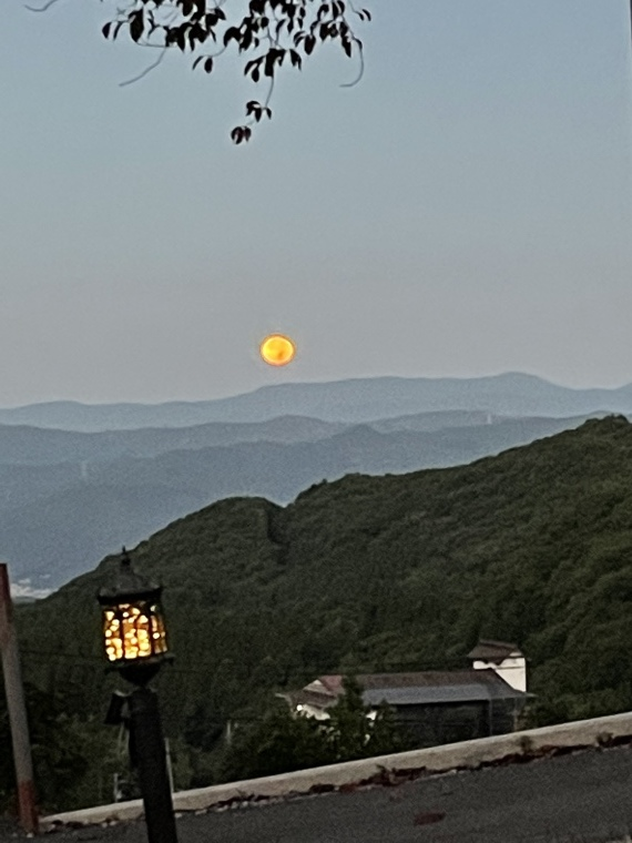 月!_b0185375_16202495.jpeg