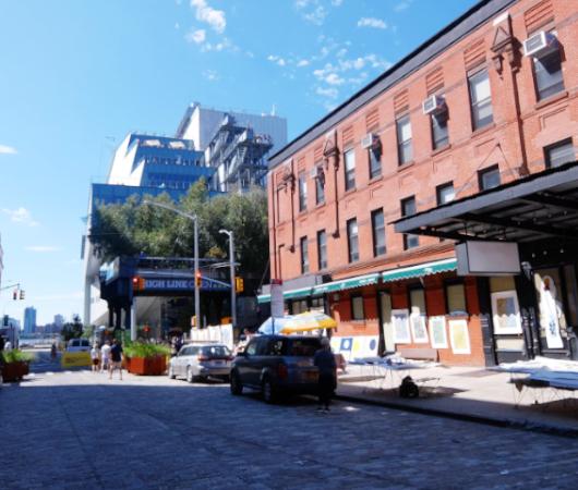 NYのミートパッキング地区に常設「オープン・ストリート」_b0007805_02540168.jpg