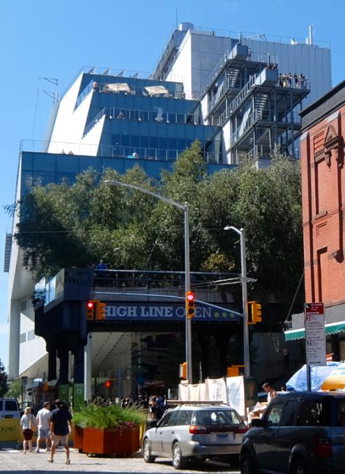 NYのミートパッキング地区に常設「オープン・ストリート」_b0007805_02543295.jpg