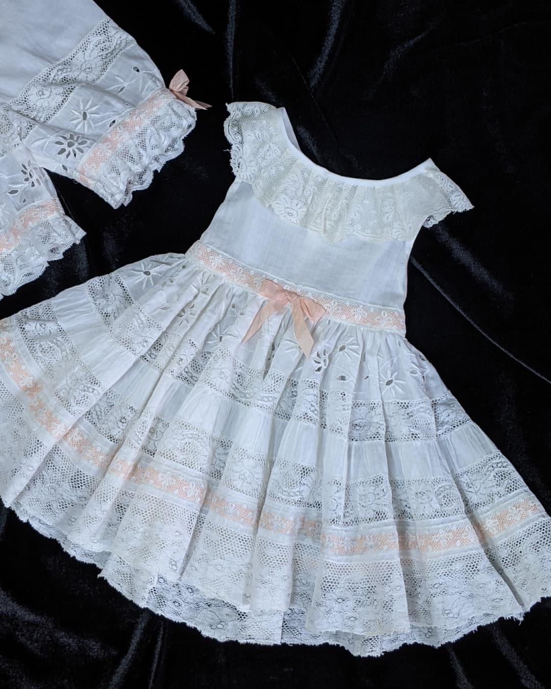 大きなジュモー嬢の下着とドレス_b0289206_20042713.jpg