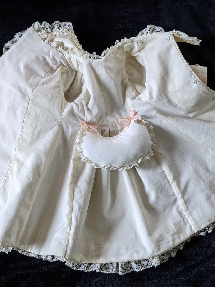 大きなジュモー嬢の下着とドレス_b0289206_20042810.jpg