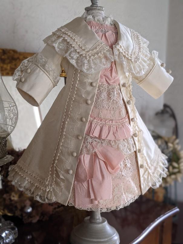 大きなジュモー嬢の下着とドレス_b0289206_20042839.jpg