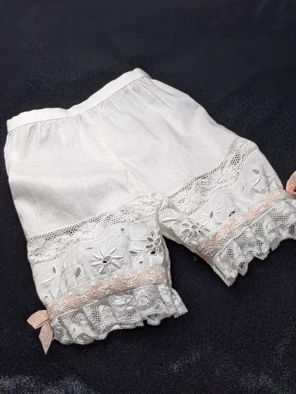 大きなジュモー嬢の下着とドレス_b0289206_20072027.jpg