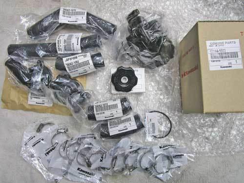 K條クン号 GPZ900RニンジャにFCRキャブの用意とチタンウォーターパイプ装着・・・(^^♪ (Part2)_f0174721_04460315.jpg