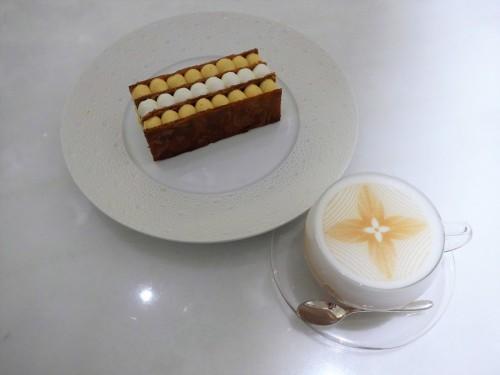 銀座「LE CAFE V (ル・カフェ・ヴィー)」へ行く。_f0232060_13431735.jpg