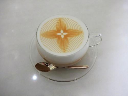 銀座「LE CAFE V (ル・カフェ・ヴィー)」へ行く。_f0232060_13432786.jpg