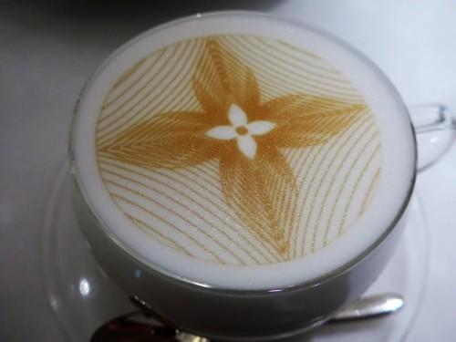 銀座「LE CAFE V (ル・カフェ・ヴィー)」へ行く。_f0232060_13433897.jpg