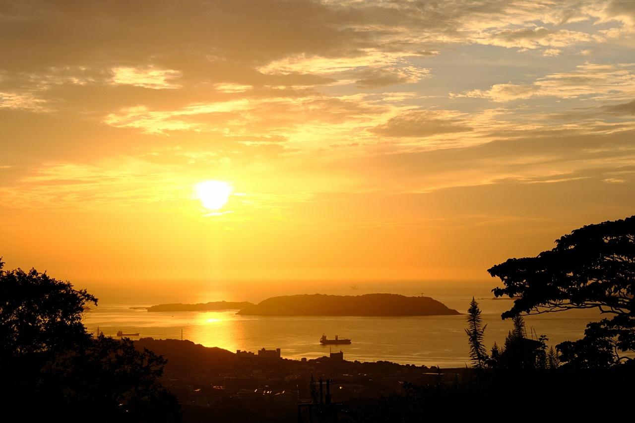 夕陽と夜景でも。_a0129474_13175755.jpg