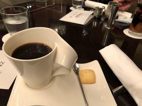 ANAインターコンチネンタル東京「アトリウムラウンジ」でお茶を_b0177982_22315947.jpg