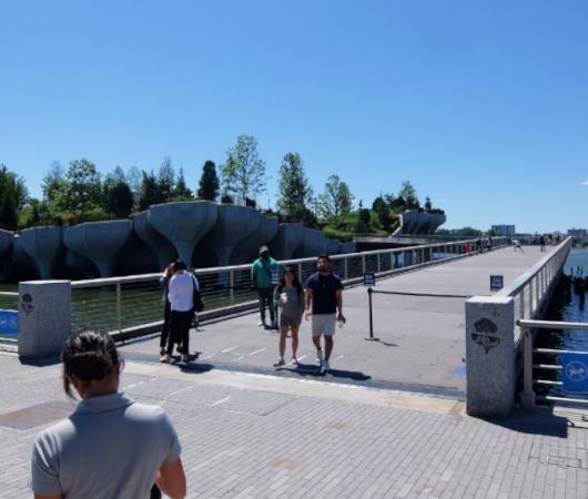 水上公園リトル・アイランドのチューリップ型コンクリート杭の建築美を愛でる_b0007805_06464134.jpg