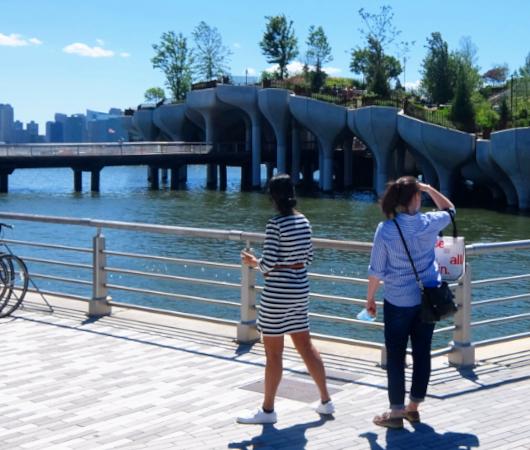 水上公園リトル・アイランドのチューリップ型コンクリート杭の建築美を愛でる_b0007805_06480591.jpg