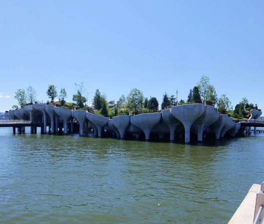 水上公園リトル・アイランドのチューリップ型コンクリート杭の建築美を愛でる_b0007805_06501249.jpg