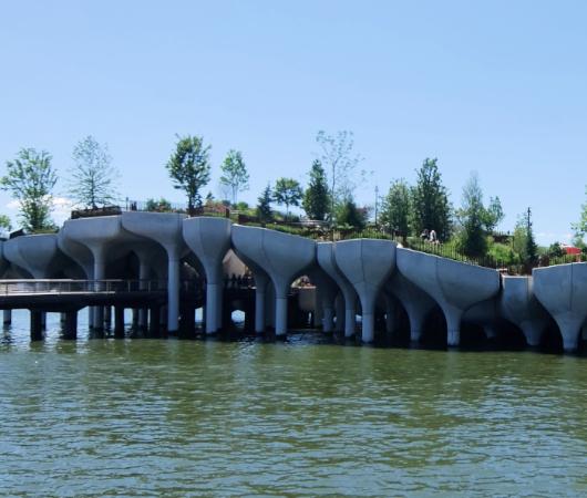 水上公園リトル・アイランドのチューリップ型コンクリート杭の建築美を愛でる_b0007805_06521895.jpg