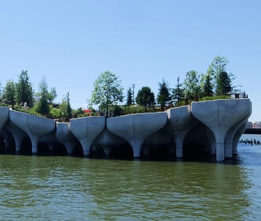 水上公園リトル・アイランドのチューリップ型コンクリート杭の建築美を愛でる_b0007805_06534198.jpg