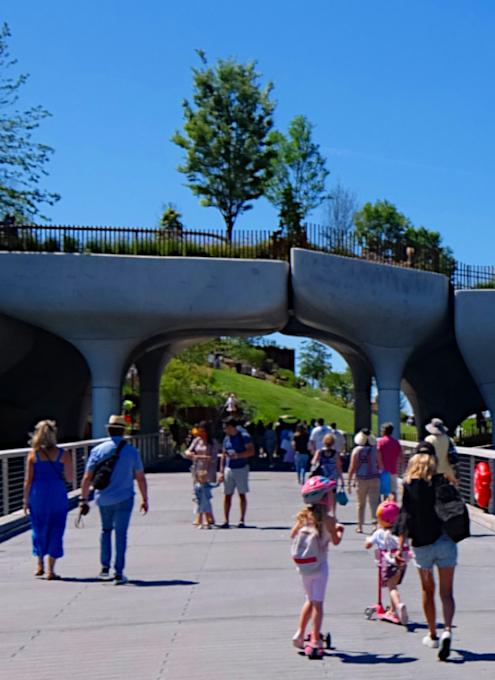 水上公園リトル・アイランドのチューリップ型コンクリート杭の建築美を愛でる_b0007805_06592599.jpg