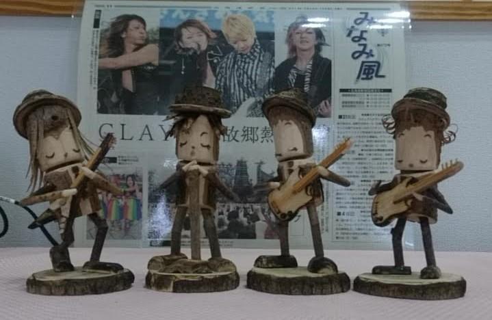 GLAYの木製人形_b0106766_09382614.jpg