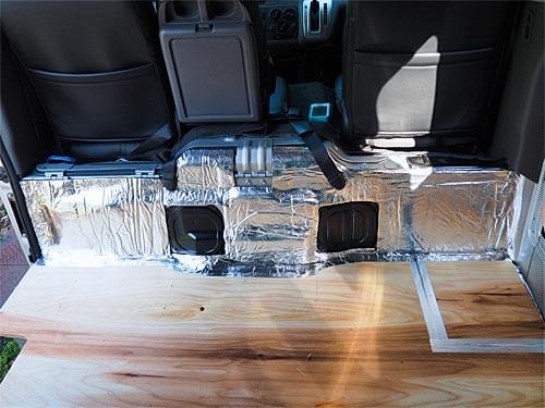 【NV350キャラバン】キャンピングカーへの道[4] サイドパネルと天井の断熱防音_a0282620_15414094.jpg