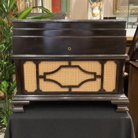 米チニーの卓上型蓄音機が入荷しました_a0047010_10492038.jpg