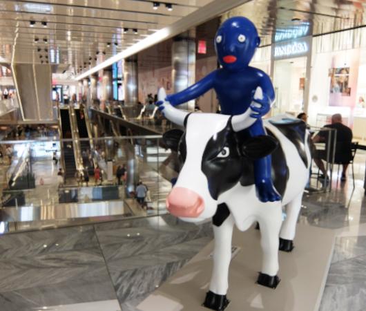 アメリカならではの「牛のアートで寄付集め」、Cow Parade 2021_b0007805_01545406.jpg