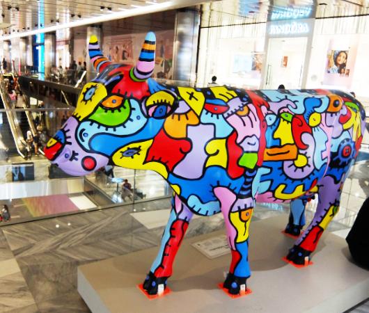 アメリカならではの「牛のアートで寄付集め」、Cow Parade 2021_b0007805_01551806.jpg