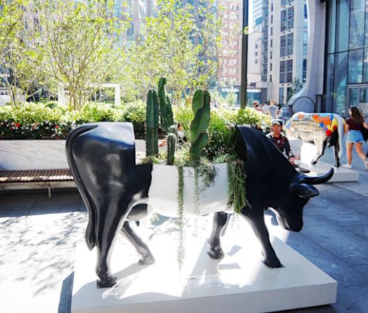 アメリカならではの「牛のアートで寄付集め」、Cow Parade 2021_b0007805_01570551.jpg