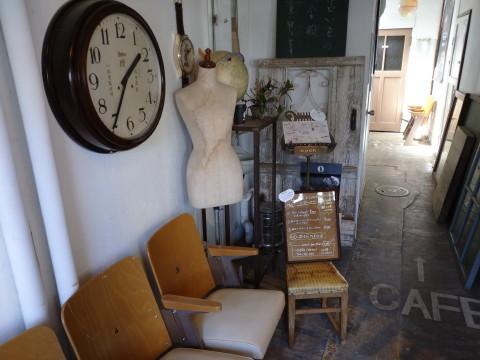 豚のソテーとキノコグラタンのワンプレート:antique&cafe ROTTO(弘前市)_b0147224_00323905.jpg
