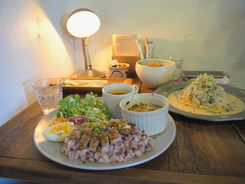 豚のソテーとキノコグラタンのワンプレート:antique&cafe ROTTO(弘前市)_b0147224_00375973.jpg