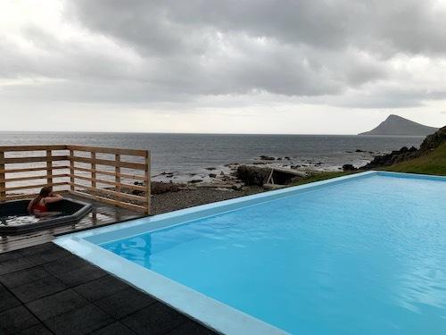 たまに行くなら海岸沿いのプールがいいKrossneslaug_c0003620_02233660.jpg