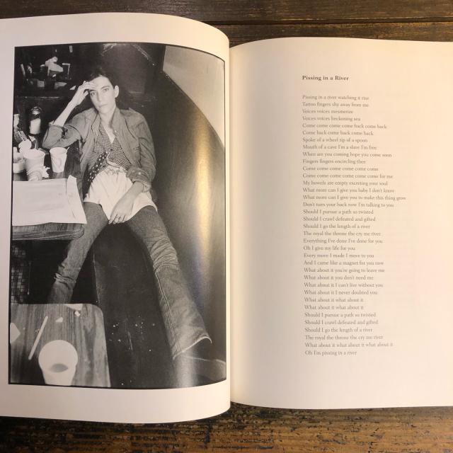Patti Smith 完全版_b0213758_16483509.jpg