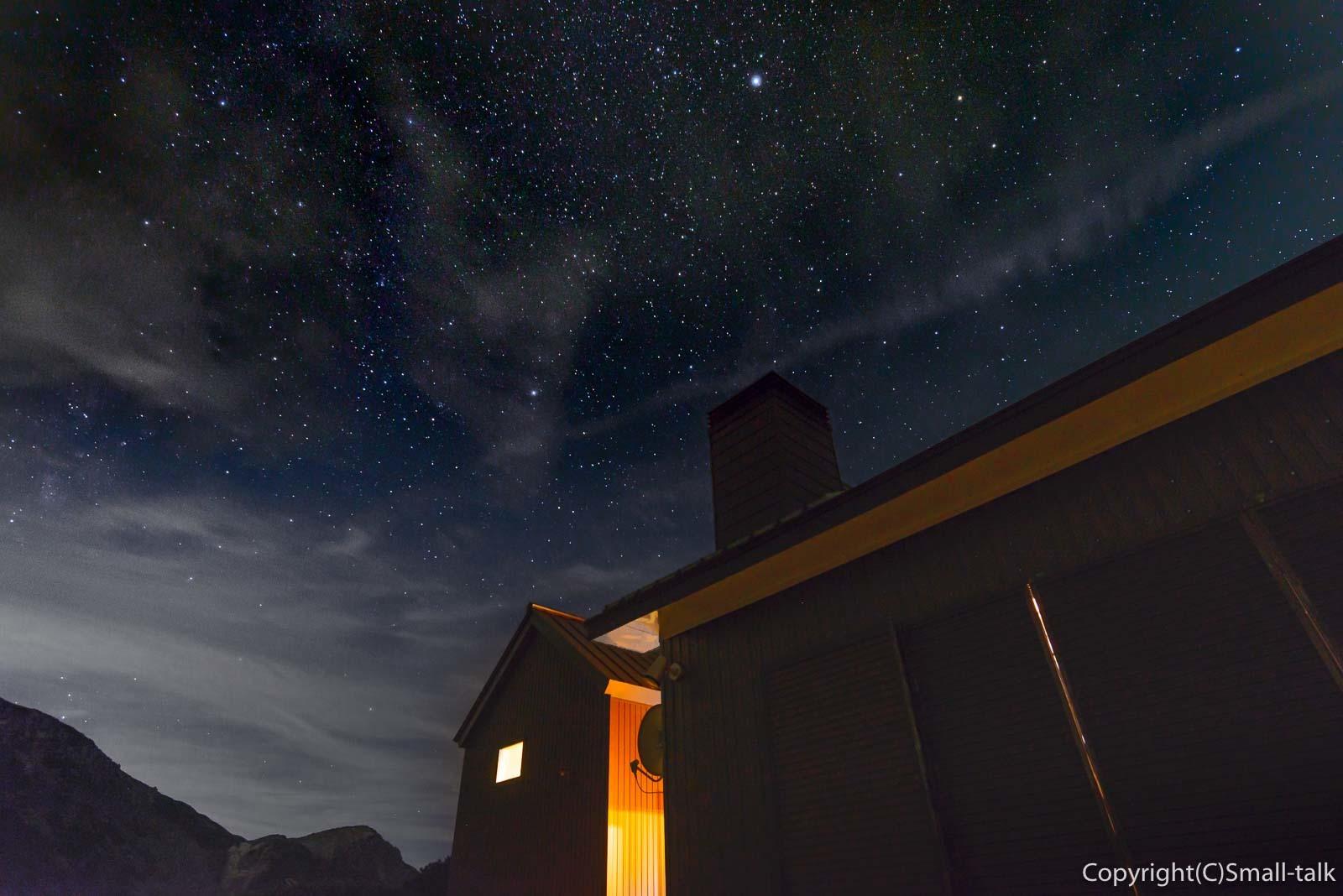 雲に染み入る星_d0094105_08304737.jpg