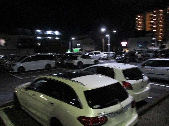 緊急事態宣言は解除されたが、平日の晩は1割程度の車しか入っていない吉原本町市営駐車場_f0141310_08265655.jpg