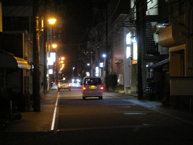 緊急事態宣言は解除されたが、平日の晩は1割程度の車しか入っていない吉原本町市営駐車場_f0141310_08271979.jpg