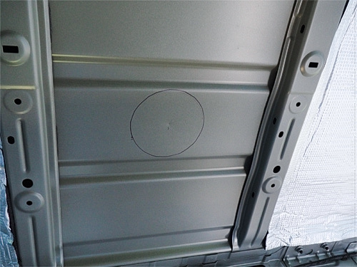 【NV350キャラバン】 キャンピングカーへの道[6] ミニベンチレーターの設置_a0282620_14580943.jpg