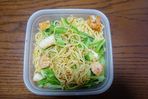 ある日のお弁当(海鮮塩焼きそば)_b0287241_06170697.jpg