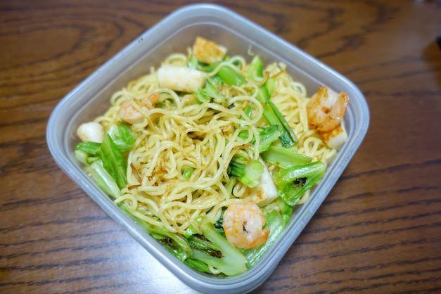 ある日のお弁当(海鮮塩焼きそば)_b0287241_06171803.jpg