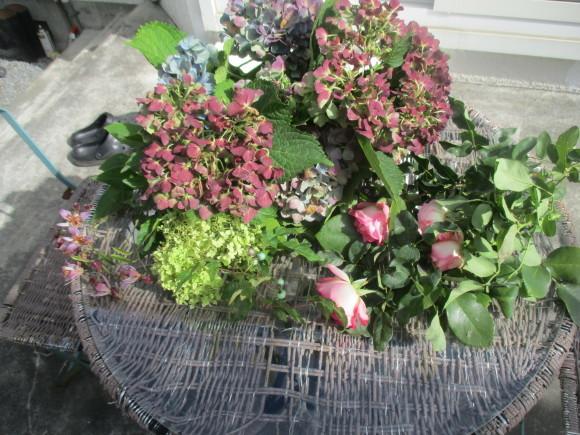 飾ったお花と煮て置いたお林檎で作ったアップルパイ_a0279743_19094197.jpg