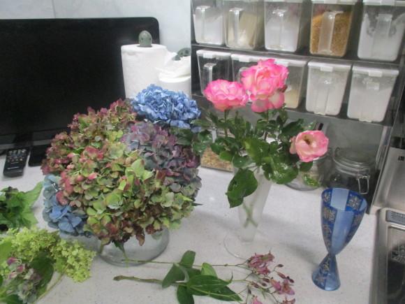 飾ったお花と煮て置いたお林檎で作ったアップルパイ_a0279743_19124283.jpg