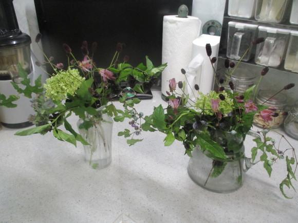飾ったお花と煮て置いたお林檎で作ったアップルパイ_a0279743_19153499.jpg