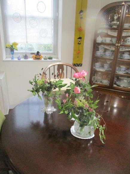 飾ったお花と煮て置いたお林檎で作ったアップルパイ_a0279743_19161278.jpg